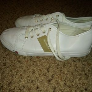 Size 11 tommy Hilfiger canvas shoes